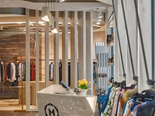 MUONTI DRESS CODE Lojas e Espaços comerciais industriais por Imagem Publica, Design & Comunicação Industrial