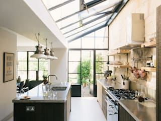 The Bath Larkhall Kitchen:  Kitchen by deVOL Kitchens