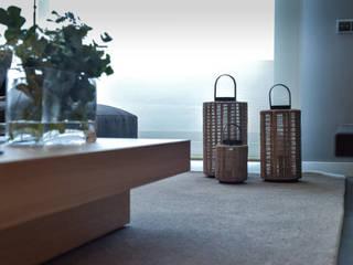 VIVIENDA (mobiliario y decoración) Comedores de estilo moderno de LLOBET interiors Moderno
