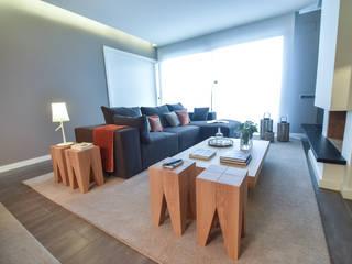 Столовая комната в стиле модерн от LLOBET interiors Модерн
