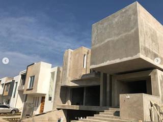 Casa Fuerte: Casas de estilo  por EBA Architecture & Desing
