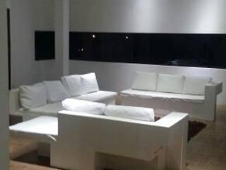 minimalist  by asiul zevach muebles, Minimalist