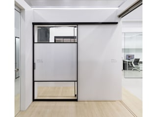 WITHJIS(위드지스) Exhibition centres Aluminium/Zinc Black