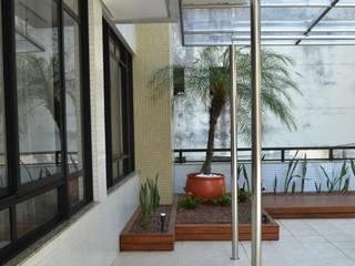 Atap oleh Atelier Plural, Modern
