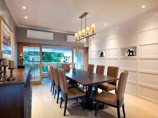 DINING ROOM:  Dining room by Finelines Designers Private Limited