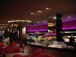 Restaurantes de estilo  por AVANT DESIGN GROUP, Moderno