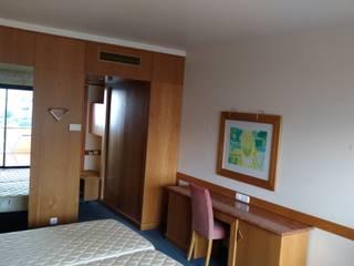 REMODELAÇÃO QUARTOS HOTEL - ANTES:   por LINETYPE PROJECTS, LDA
