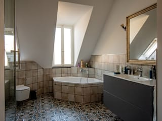 Eclectic style bathroom by Bad Campioni Eclectic