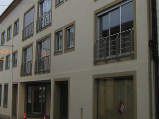 Apartamentos por Luís Fôjo Arquitecto Moderno
