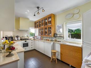 Kitchen by ImofoCCo - Fotografia Imobiliária
