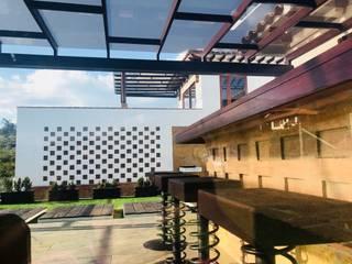 Patios & Decks by cesar sierra daza Arquitecto, Rustic
