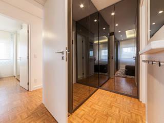 Vestidores y placares de estilo moderno de Larissa Lieders Arquitetura + Interiores Moderno