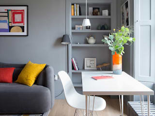 Edinburgh Flat:  Living room by John Wilson Design, Modern