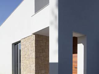 CASA PI SMB ARQUITECTURA Casas de estilo moderno