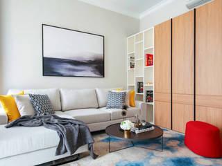 RH House:  Ruang Keluarga by Meridian Studio