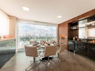 Comedores de estilo moderno de Larissa Lieders Arquitetura + Interiores Moderno