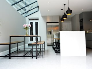 Side-Return Extension, Battersea, London dwell design Cozinhas modernas