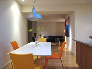 London Garden Flat:  Dining room by John Wilson Design, Modern