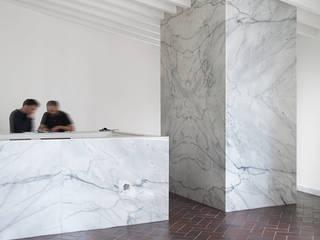 Restaurante Vila, Óbidos: Casas  por AMPLO arquitectos