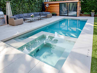 Outdoor Hydrotherapy Pool & Spa Piscinas de estilo moderno de London Swimming Pool Company Moderno