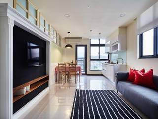 擁有完美機能的兩房兩廳小坪數樓中樓 根據 弘悅國際室內裝修有限公司 鄉村風