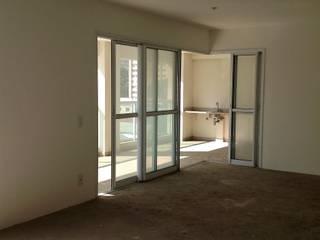Antes e Depois em Apartamento na Vila Olímpia, São Paulo:   por Liliana Zenaro Interiores,