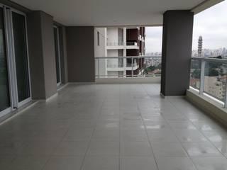 Projeto de Reforma no Alto da Lapa, São Paulo:   por Liliana Zenaro Interiores,