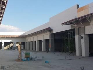 Macro Plaza Oaxaca Centros comerciales de estilo moderno de ARQUITECTO RICARDO ESCOBAR ACABADOS Moderno