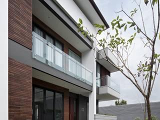 Gio House Setraduta Oleh CV Berkat Estetika Tropis