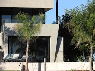 Maximiliano Lago Arquitectura - Estudio Azteca Detached home Concrete Grey