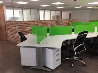 Oficinas de estilo moderno de BP construcciones & acabados Moderno