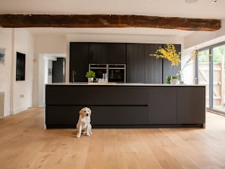 Billington:  Kitchen by Kreativ Kitchens