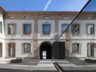 Casa da Cultura de Pinhel Locais de eventos mediterrânicos por depA Architects Mediterrânico
