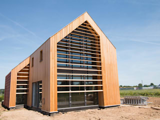 Duurzame vrijstaande woning:  Huizen door Studioschaeffer Architecten BNA, Scandinavisch