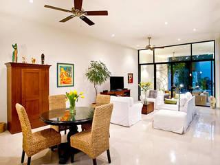 10 kiểu trang trí phòng khách đẹp cho biệt thự hiện đại: hiện đại  by CÔNG TY CỔ PHẦN XD&TM KIẾN TẠO VIỆT, Hiện đại