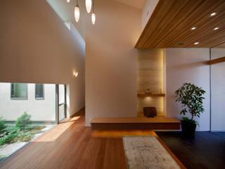 竈山の家Ⅰ: 株式会社田渕建築設計事務所が手掛けた廊下 & 玄関です。,