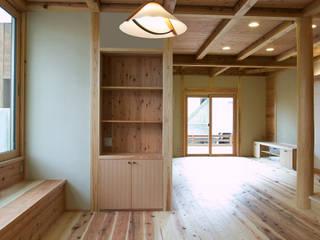 D-HOUSE: 株式会社田渕建築設計事務所が手掛けたリビングです。,