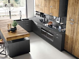 Built-in kitchens by Dialma Brown México, Modern Solid Wood Multicolored