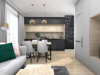 Kuchnia w czerni i drewnie: styl , w kategorii Kuchnia zaprojektowany przez Projektowanie Wnętrz Online