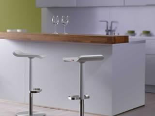 Küchentresen mit Barhocker in Weiss:   von Moree Ltd.