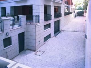 by Estudio de Arquitectura Juan Ligués Classic