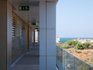 by Estudio de Arquitectura Juan Ligués Modern