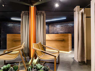 の Aline Frota Interiores + Retail Design モダン
