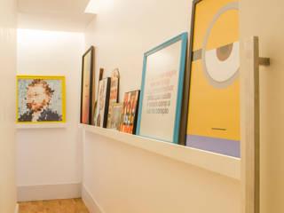 by Aline Frota Interiores + Retail Design Сучасний