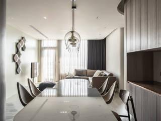 Moderne Esszimmer von 湜湜空間設計 Modern