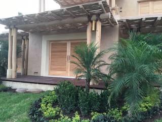 PaisajesyAmbientes Jardines de estilo tropical