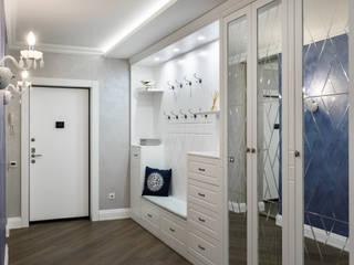 Pasillos, vestíbulos y escaleras de estilo ecléctico de GLAZOV design group концептуальная студия дизайна интерьеров Ecléctico
