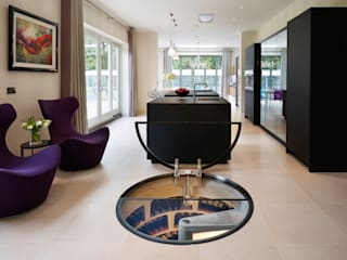 Spiral Cellars with Glass doors Spiral Cellars Ruang Penyimpanan Wine/Anggur Modern Beton Black