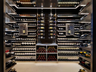 Wine Rooms & Wine Walls Bodegas de estilo moderno de Spiral Cellars Moderno