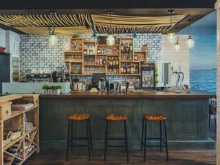 Decoración Restaurante ANFORA en Benalmádena Gastronomía de estilo mediterráneo de DESVAN VINTAGE Mediterráneo